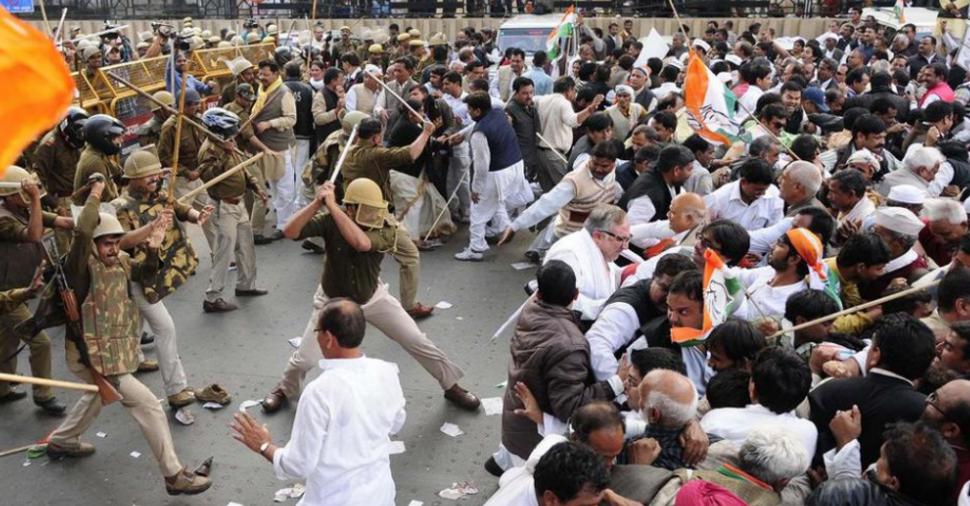 新德里农民抗议升级,已有60人丧生,印高官:莫迪必须负责