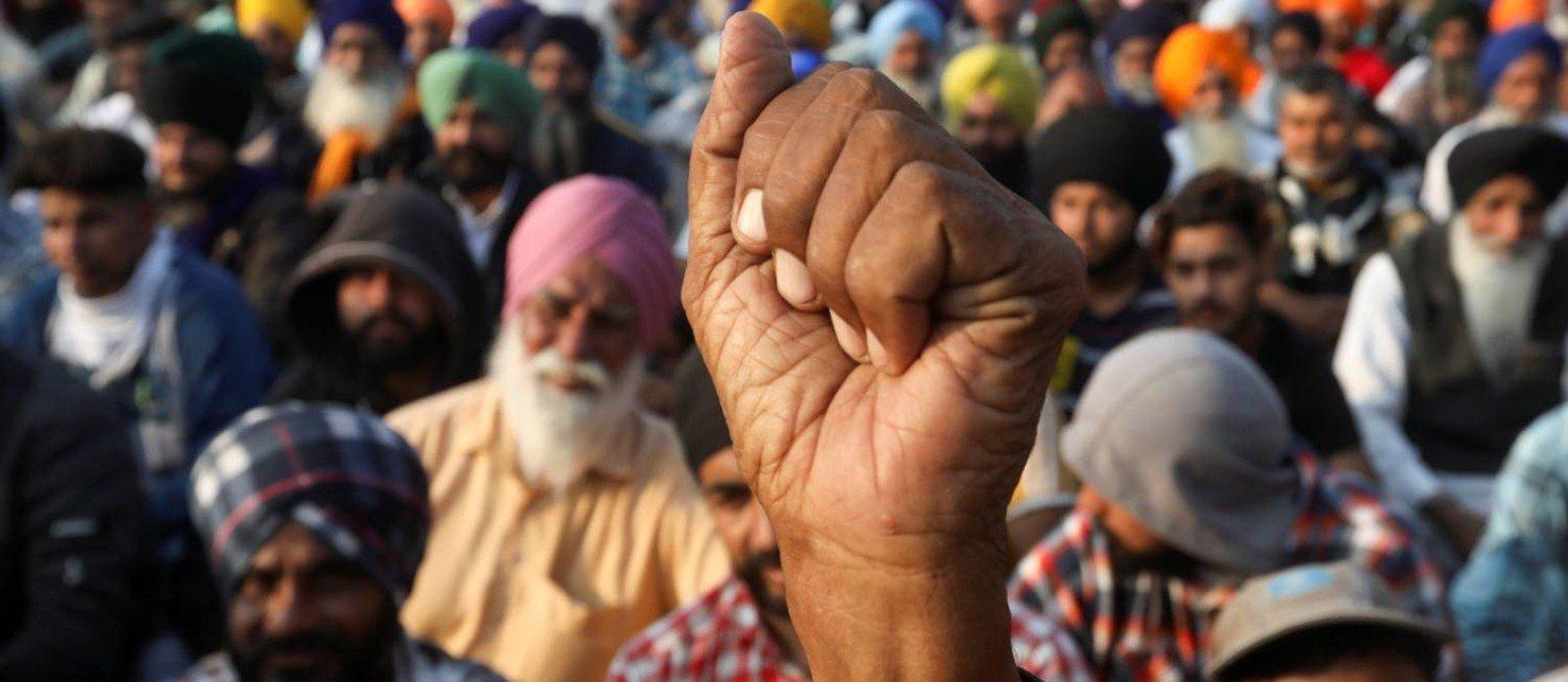 Agricultores do Punjab, considerado um dos celeiros da Índia, estão acampados nos arredores de Nova Délhi há duas semanas Foto: ANUSHREE FADNAVIS / REUTERS