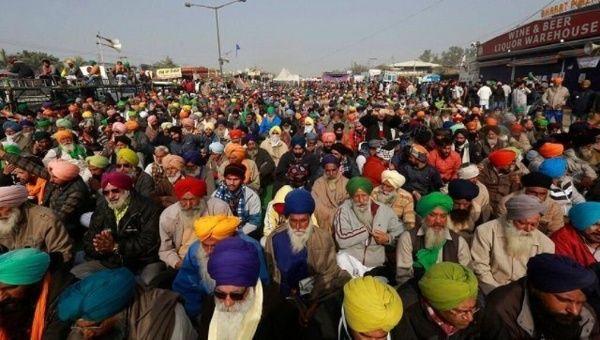 Las protestas campesinas transitan por su cuarta semana en India, sin que se avizore, en lo inmediato, una solución al respecto.