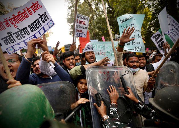 Ένα tweet της Ριάννα αρκεί - Απογείωσε το κίνημα των αγροτών στην Ινδία και εξόργισε τις