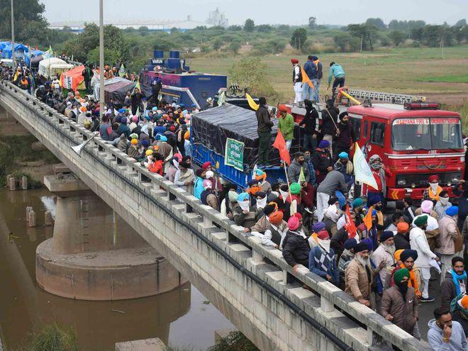Nông dân Ấn Độ kéo về Ambala biểu tình phản đối luật nông sản mới /// AFP