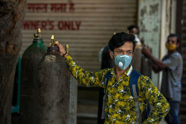 A man waited to have an oxygen tank refilled last week in Delhi.