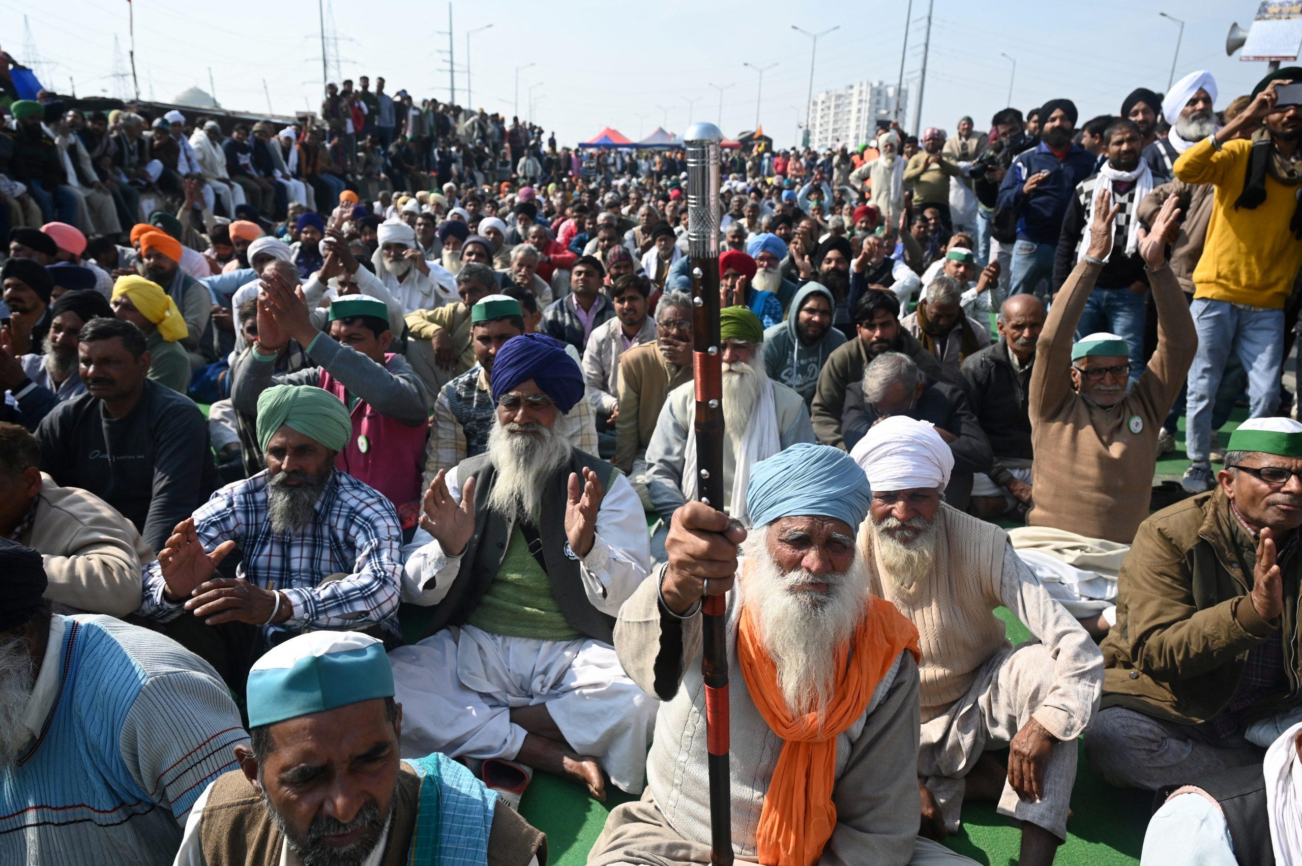 Des milliers d'agriculteurs manifestant à New Delhi